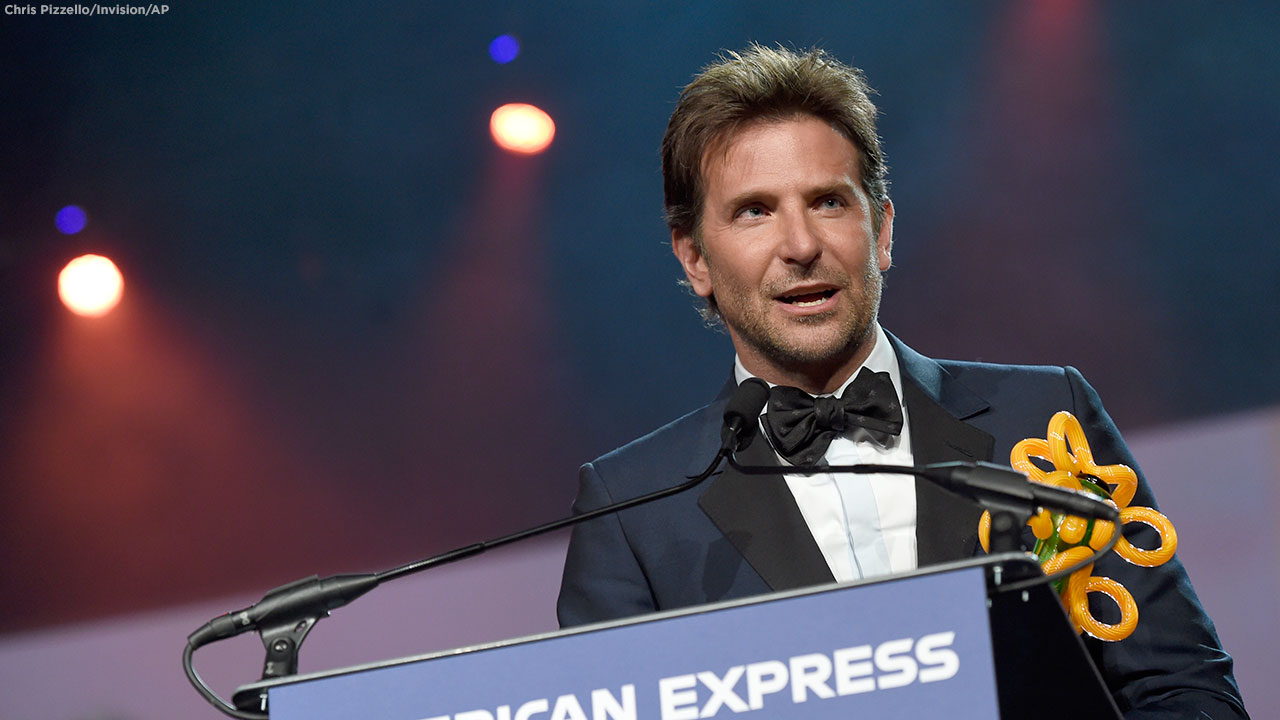 Bradley Cooper accepts the director of the year award for A Star Is Born at the 30th annual Palm Springs International Film Festival on Thursday, Jan. 3, 2019.