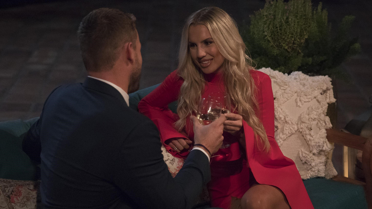 "Colton stolen away by same woman 4 times on night 1 of ""The Bachelor"""