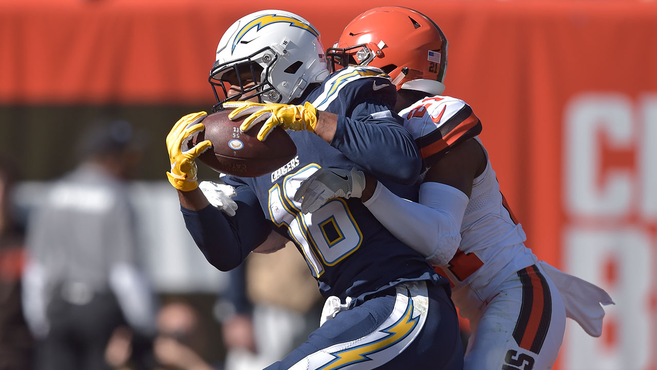 L.A. Chargers wide receiver Tyrell Williams catches a 29-yard touchdown pass in the first half during an NFL football game against the Cleveland Browns, Sunday, Oct. 14, 2018.
