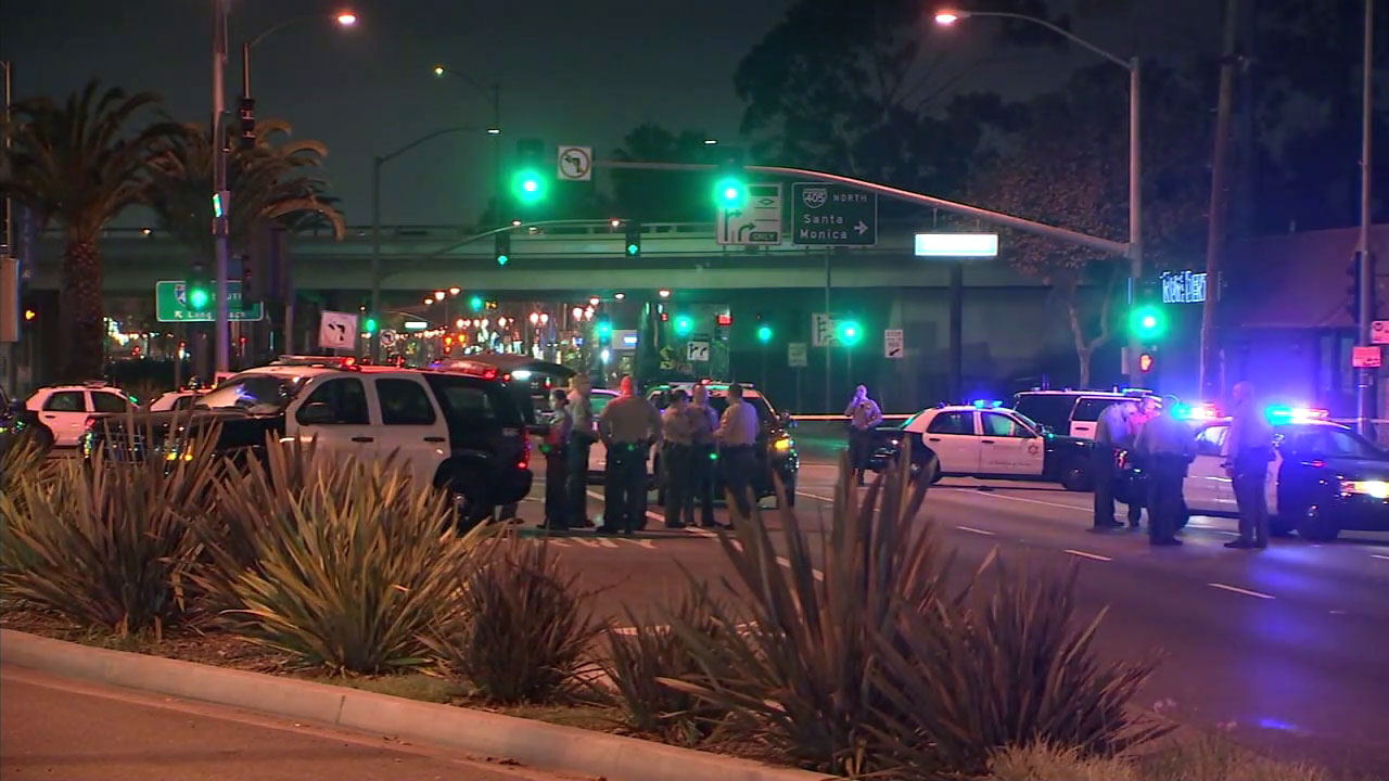 Sheriffs deputies investigate a shooting in Lawndale that sent one person to the hospital.