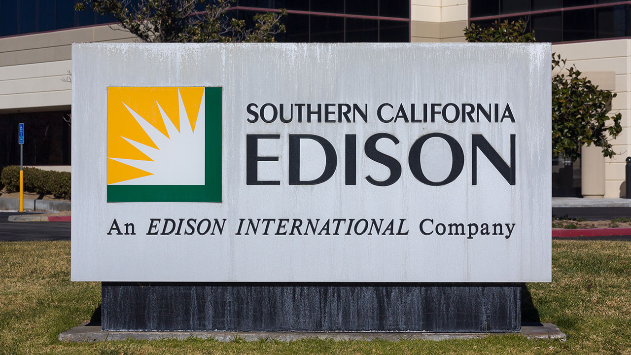 A Southern California Edison sign is seen outside a facility in Valencia, Calif., on Dec. 26, 2015.