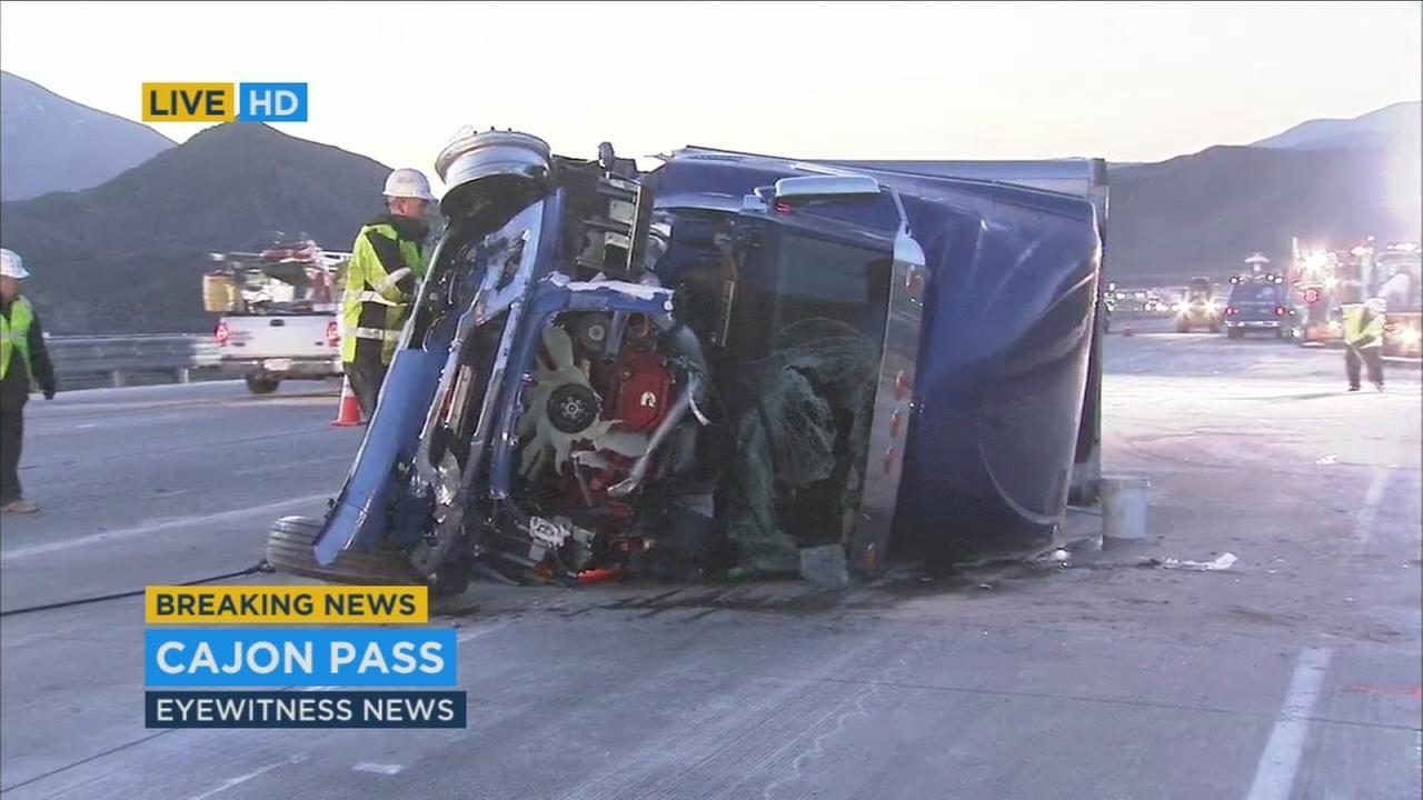 car accident on 15 freeway  Big rig crash snarls traffic on SB 15 Fwy in Cajon Pass | abc7.com