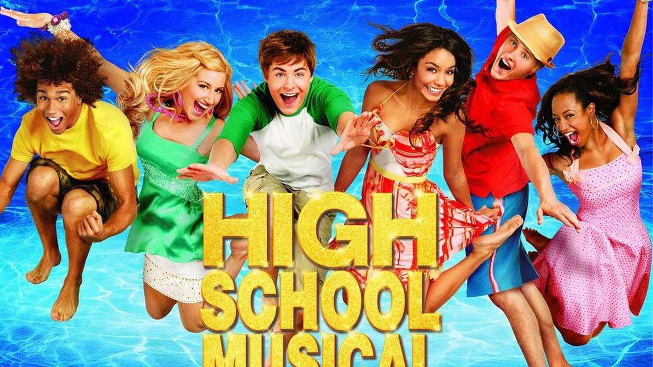 A promotional photo for High School Musical 2 is shown.