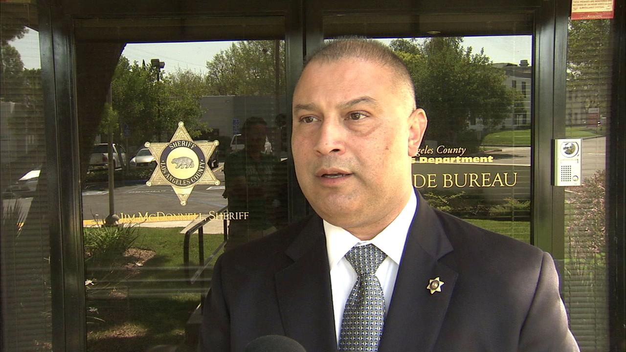 Lt. Eddie Hernandez of the Los Angeles County Sheriffs Department Homicide Bureau discusses the investigation into the death of Raymond Hodge.