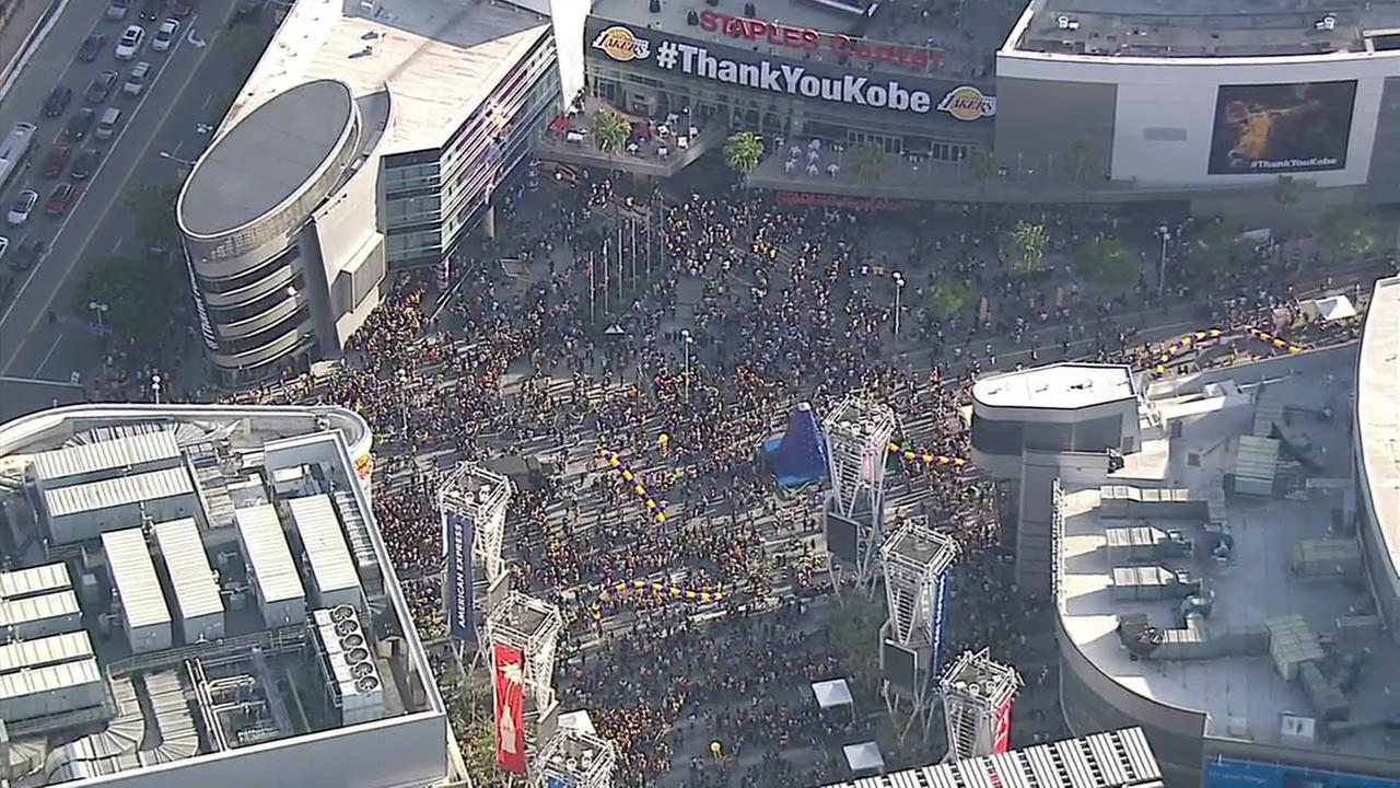 Fans flocked to the Staples Center to watch Los Angeles Lakers great Kobe Bryants final NBA game on Wednesday, April 13, 2016.