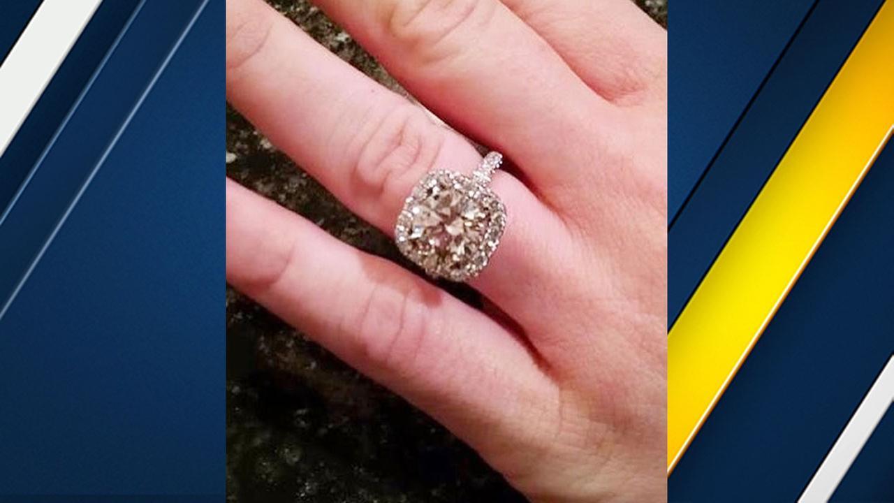 Woman loses $32,000 engagement ring at San Jose airport | abc7.com