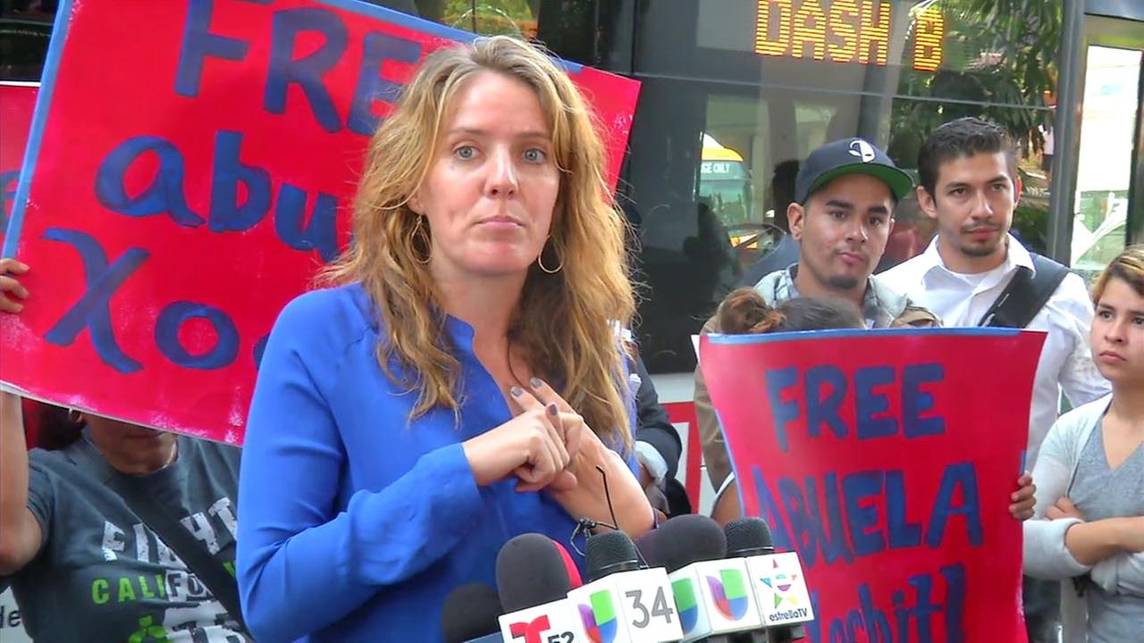 Emi Maclean, an attorney with the National Day Laborer Organizing Network, spoke at a news conference as members of Xochitl Hernandezs family stood nearby.