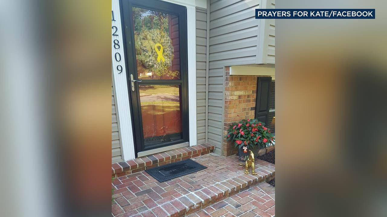 Lindsay Rhoades posted this photo of an empty doorstep on her Facebook page, in memory of her daughter who died of cancer at just 4 years old.