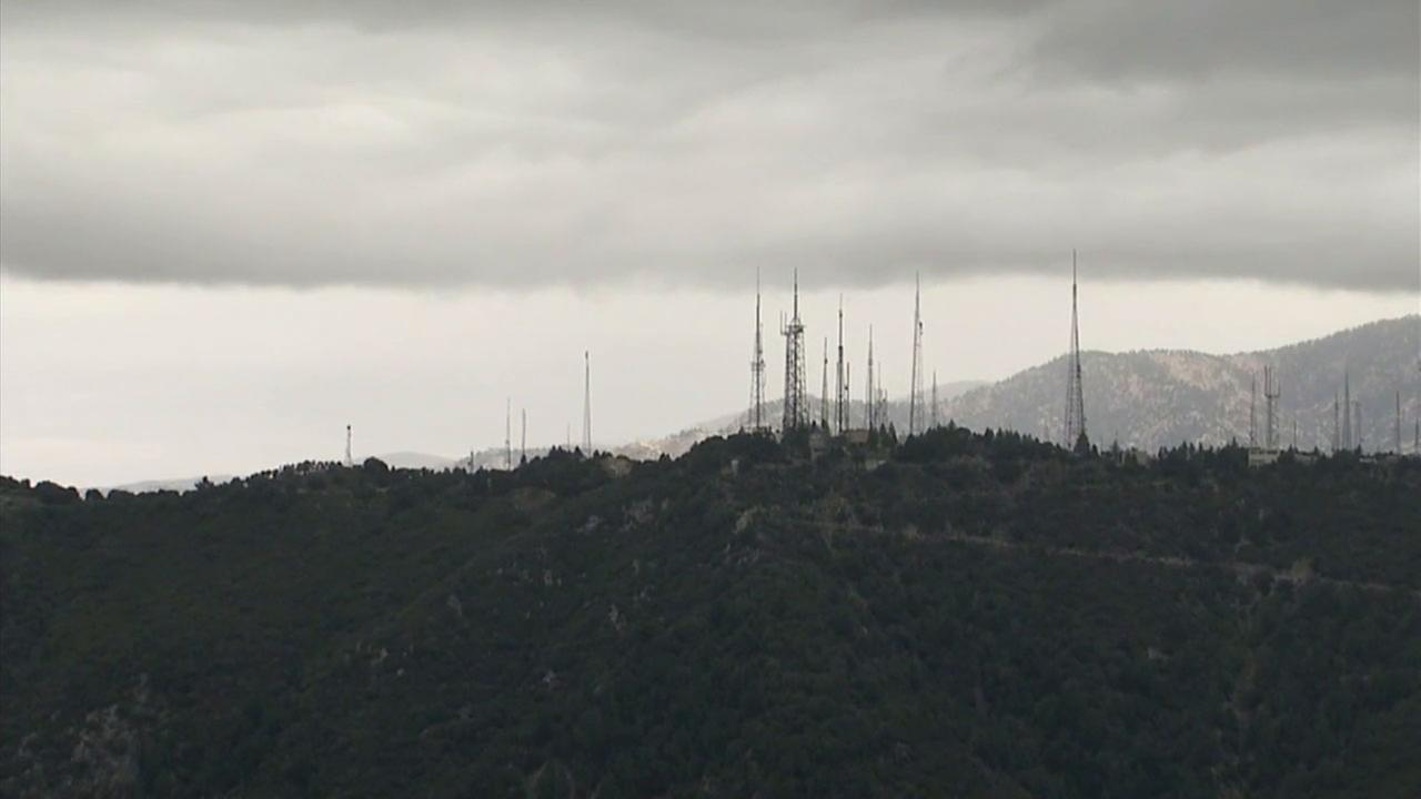 An EVA airliner operating under incorrect instructions flew close to Mount Wilson with its television towers that rise 6,100 feet above the ground.