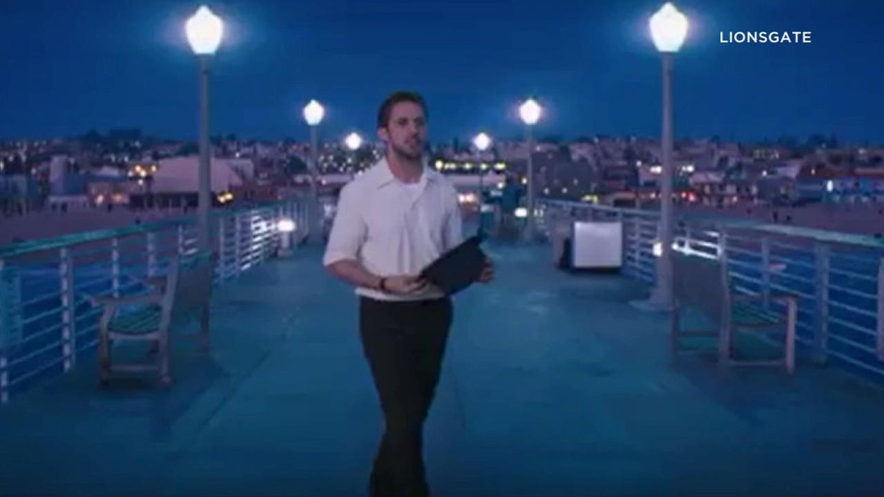 City councilmembers are considering adding lamp posts featured in the film La La Land to the Hermosa Beach Pier permanently.