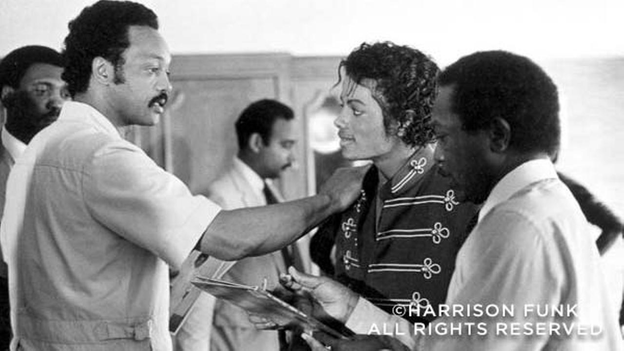Jessie Jackson meets with Michael Jackson in Kansas City in 1984.