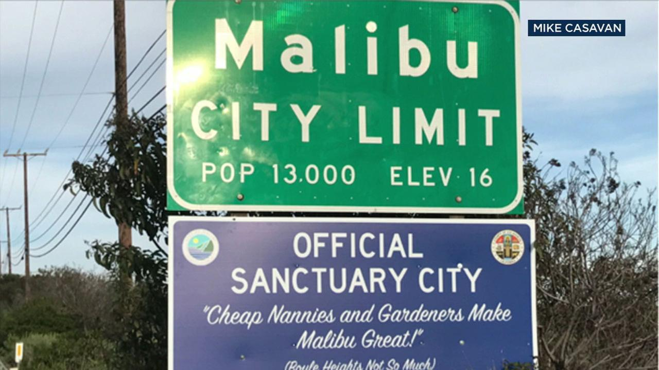 An official-looking sign, which was later ruled a prank, calling attention to Malibus status as a sanctuary city.