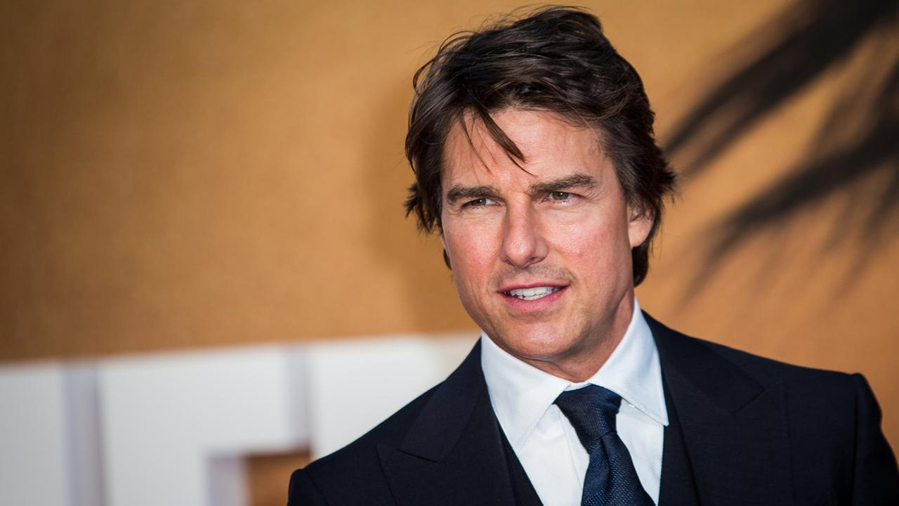 Actor Tom Cruise poses for photographers upon arrival at the premiere of the film Jack Reacher: Never Go Back in London, Thursday, Oct. 20, 2016.