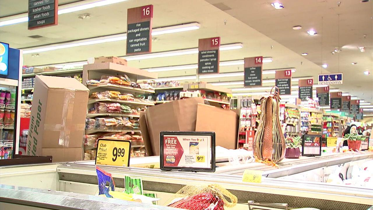 The inside of a Vons grocery store in Hollywood is shown on Thanksgiving, Thursday, Nov. 23, 2017.