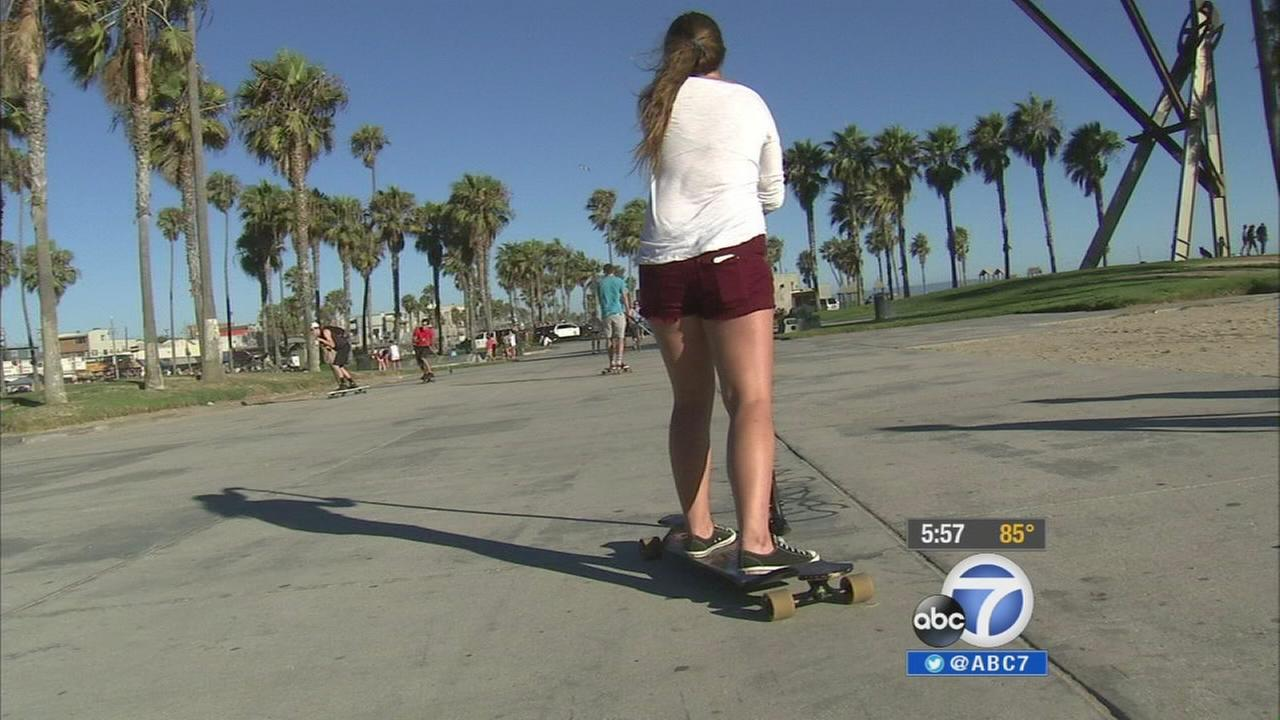 A new take on stand-up paddle boarding is a hit on dry land.