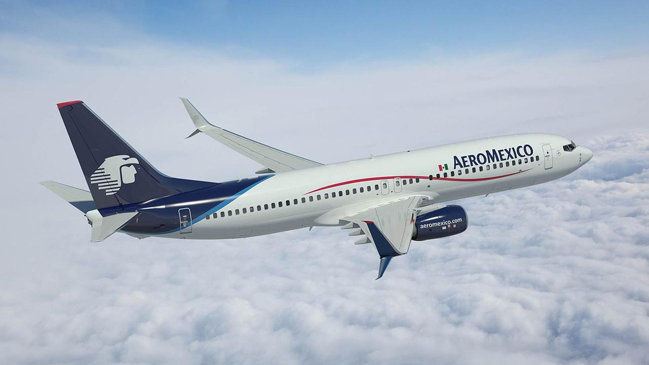 Rendering of Aeromexico 737-800 with Split Scimitar Winglets.