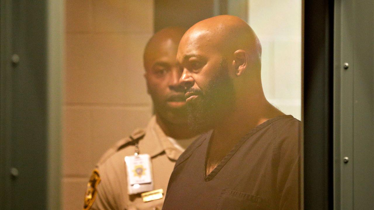 Rap music mogul Marion Suge Knight appears in court on a traffic warrant Thursday, Oct. 30, 2014, in Las Vegas following his arrest as a fugitive in a California robbery case.