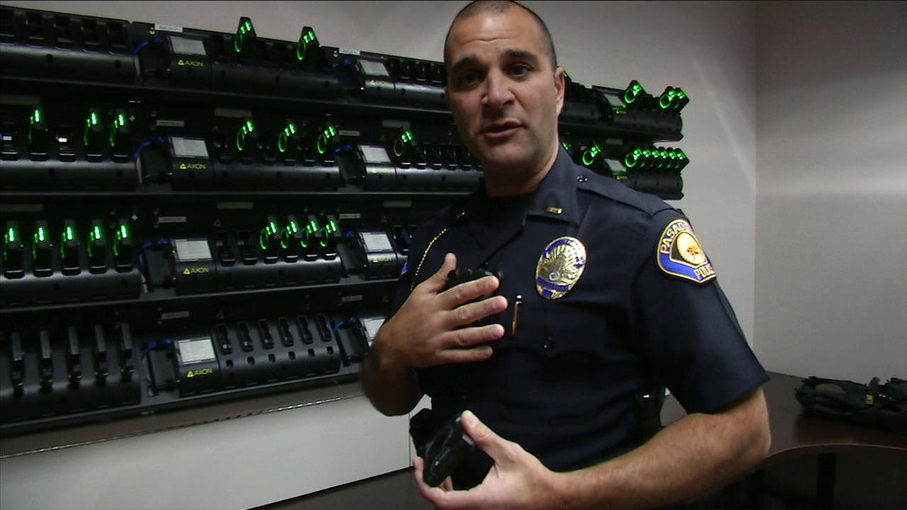 A former lieutenant in the Pasadena Police Department has agreed to plead guilty to two federal felony offenses connected to illegally selling more than 100 firearms.