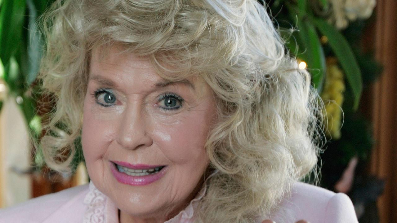 Actress Donna Douglas, a 1960s TV icon who played Elly May Clampett on The Beverly Hillbillies, died on Thursday, Jan. 1, 2015. She was 81.