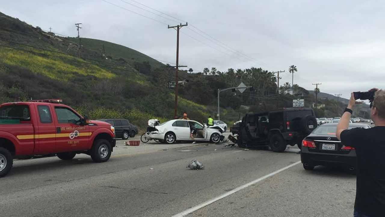Bruce Jenner Involved In Malibu Fatal Crash Rep Says He S Ok