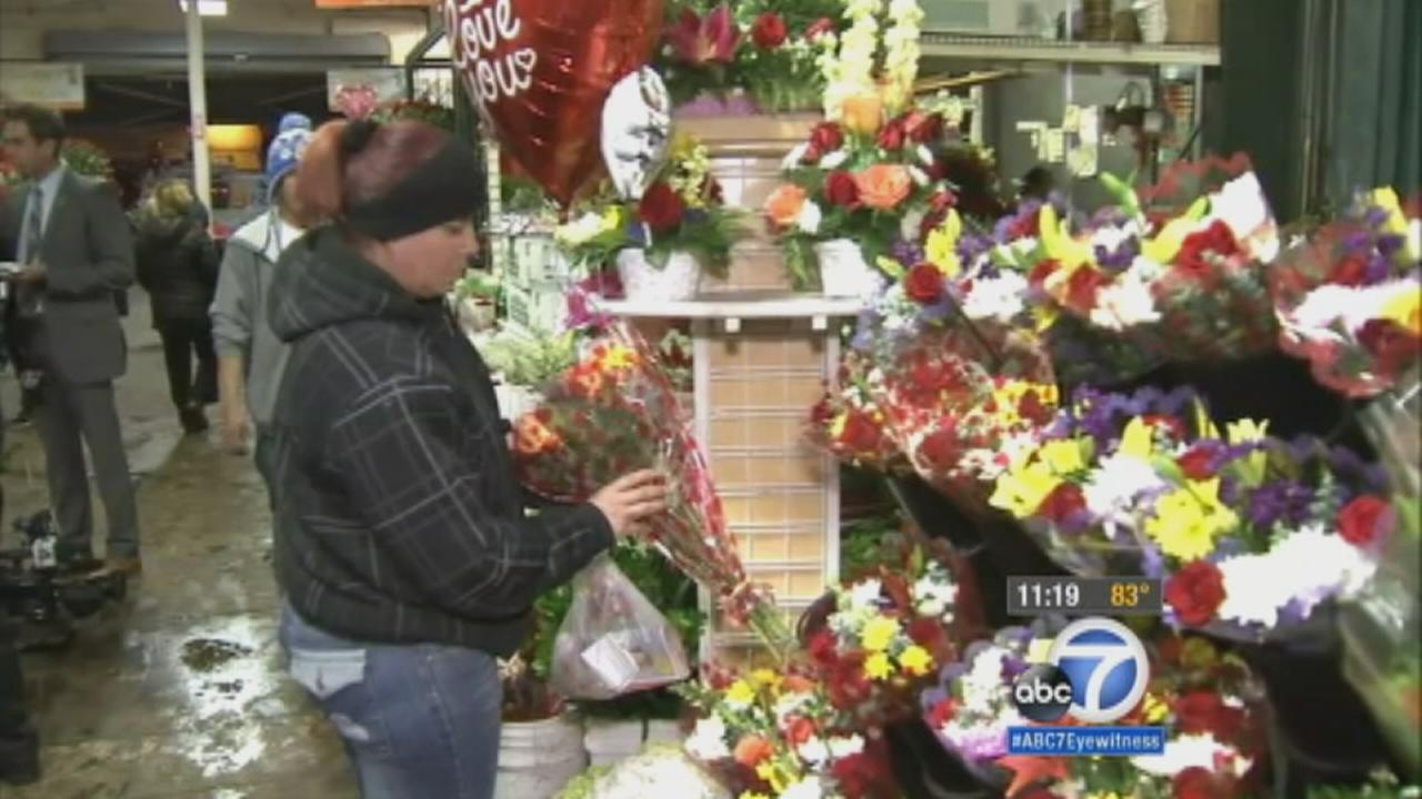 Valentines Day Shoppers Pack Downtown Los Angeles Flower District