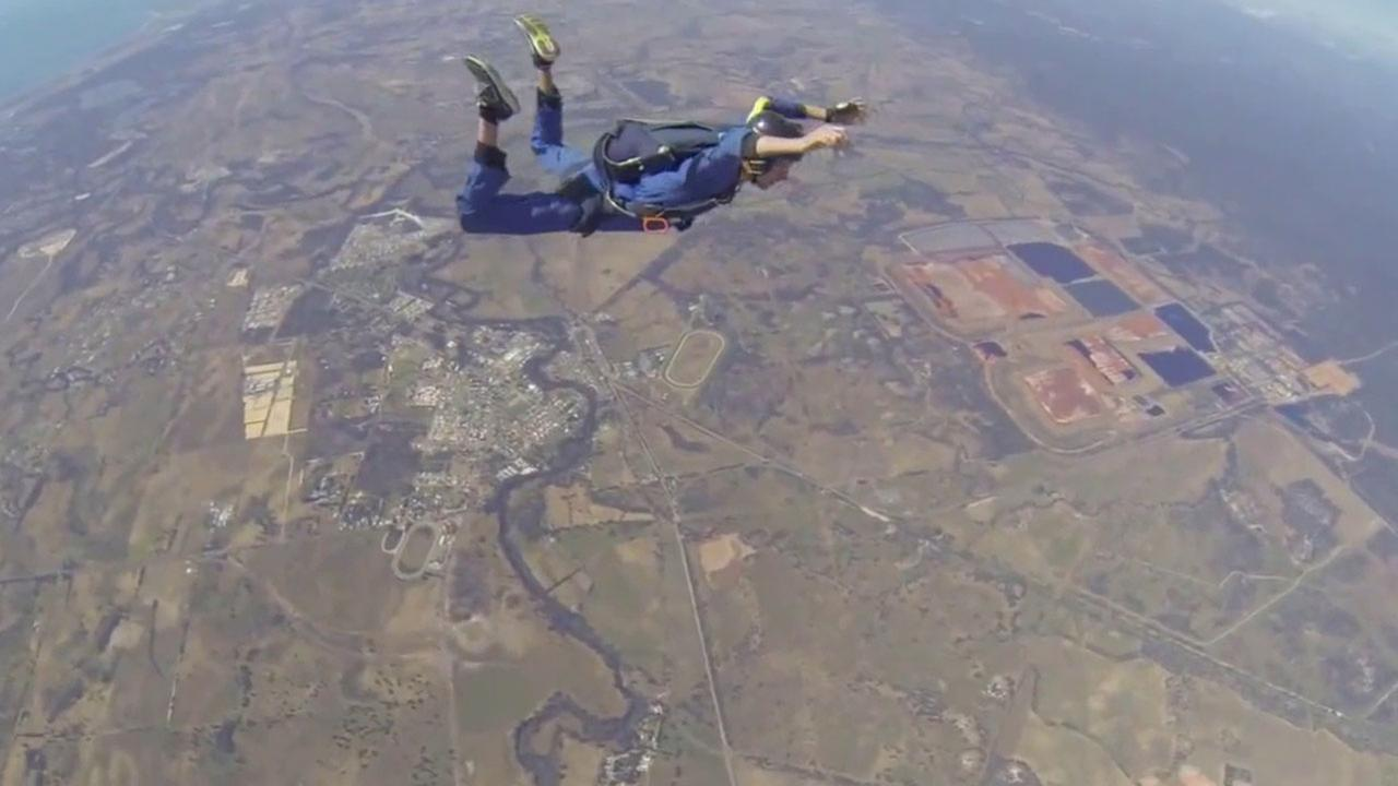 A skydiver who jumped from a plane 12,000 feet in the air suffered a seizure mid-air and lost consciousness. He posted the scariest moment of his life on YouTube.
