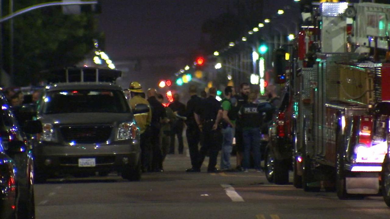 2 LAPD Officers Injured In South Los Angeles Shooting Gunmen At Large