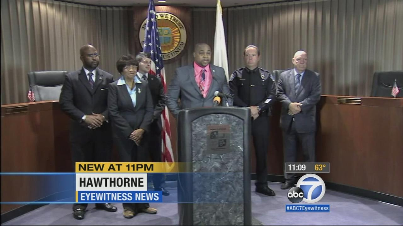 Hawthorne Mayor Chris Browns personal financial struggles and accused misuse of funds took center stage at a Hawthorne City Council meeting Tuesday night. Angry residents are calling for his resignation.