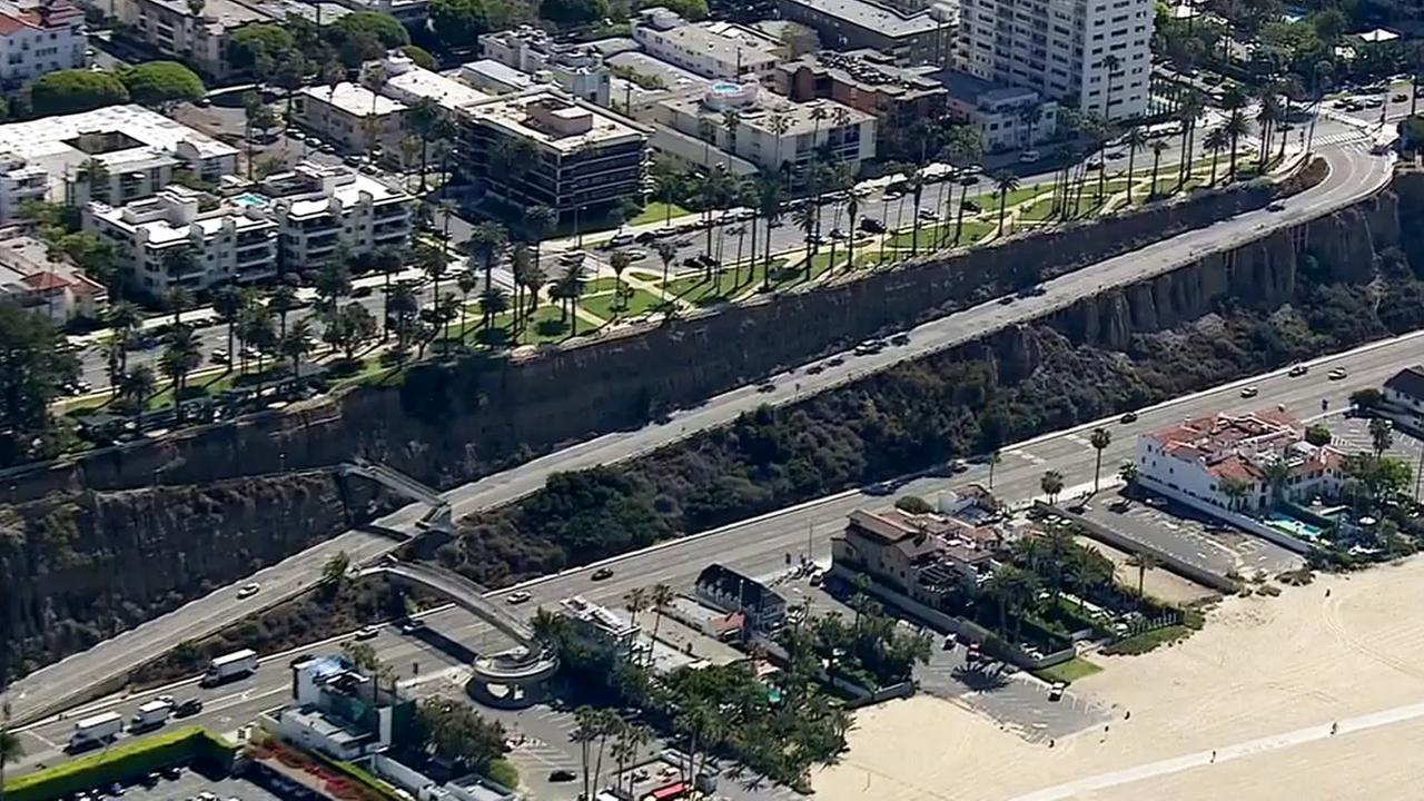 The California Incline extends a distance of approximately 1,400 feet from Ocean and California avenues to Pacific Coast Highway in Santa Monica.