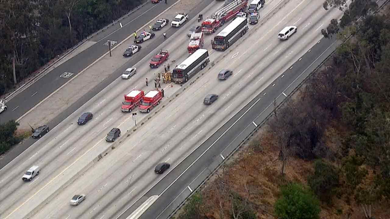 Los Angeles Sheriffs Inmate Bus Car Crash On 170 Freeway In North Hollywood