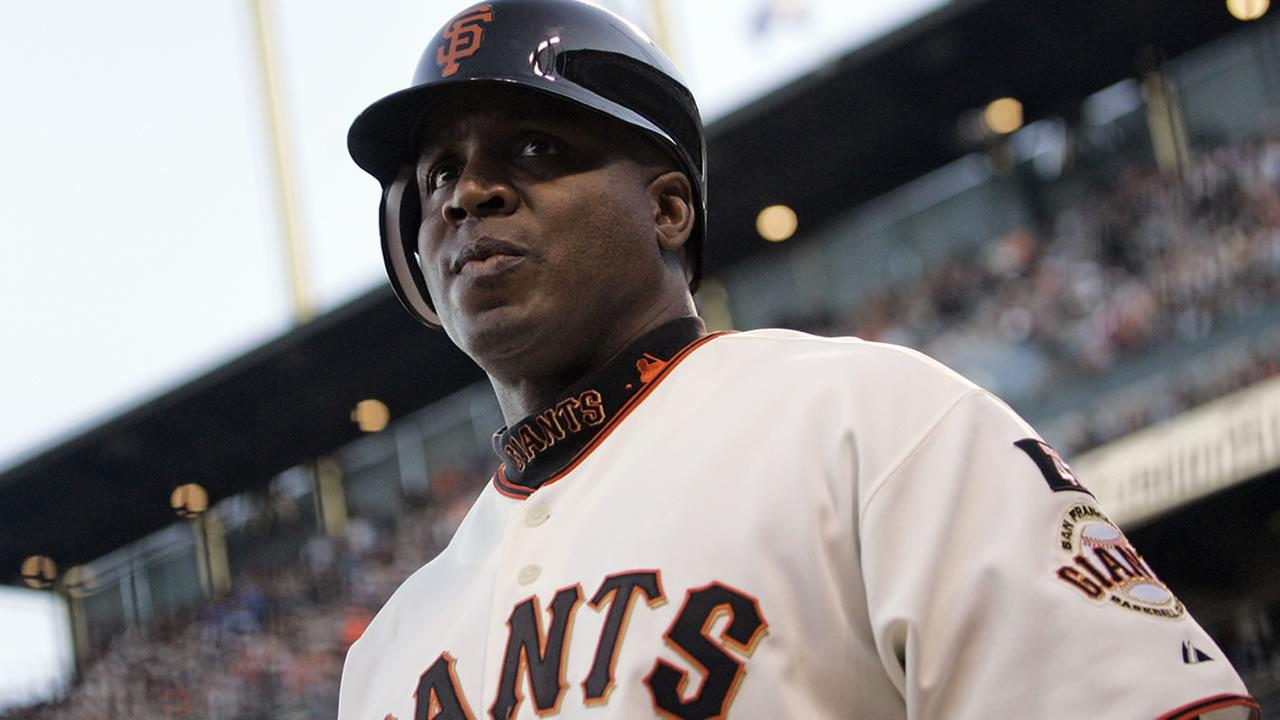 San Francisco Giants Barry Bonds gets ready to bat during their game in a Aug. 7, 2007 file photo.