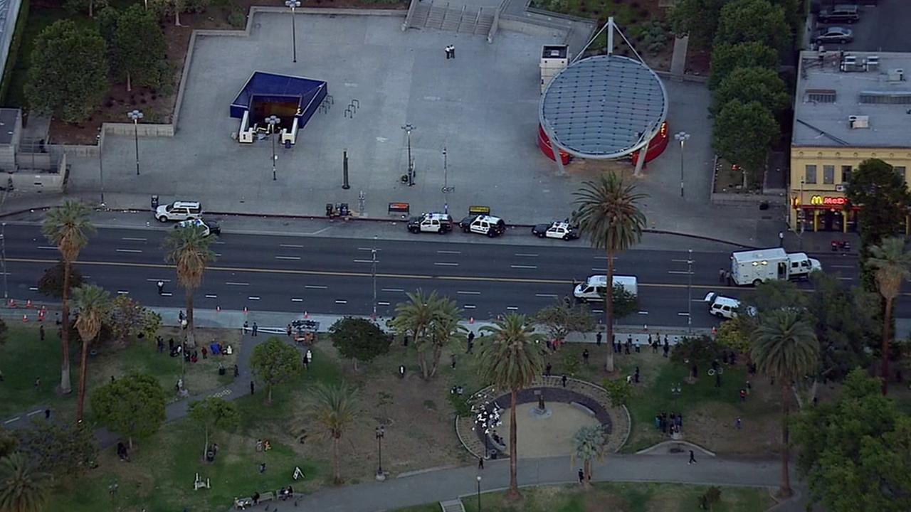 Los Angeles County Sheriffs Department officials respond to a possible suspicious package on the tracks at the Westlake/MacArthur Park Metro Station Thursday, May 21, 2015.