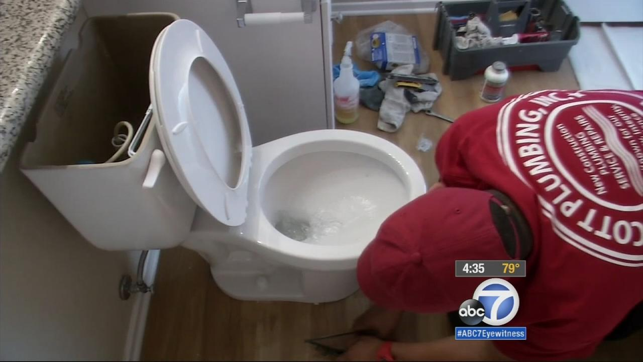 The Irvine Company is installing thousands of water-saving toilets and shower heads at its apartment complexes to save an estimated 44 gallons of water annually.