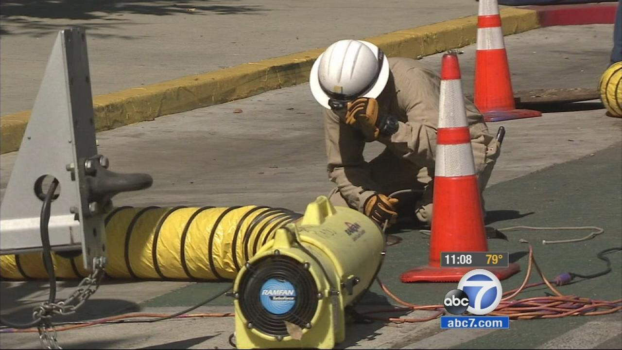 An underground electrical fire which blew off manhole covers in downtown Long Beach left nearly 5,000 people without power in the area.