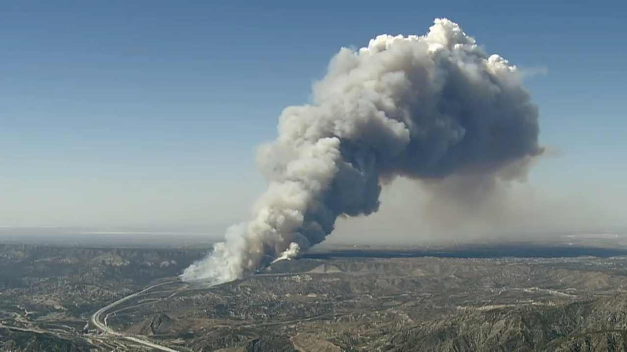 Brush Fire Erupts Next To 15 Freeway In Cajon Pass Kabc7