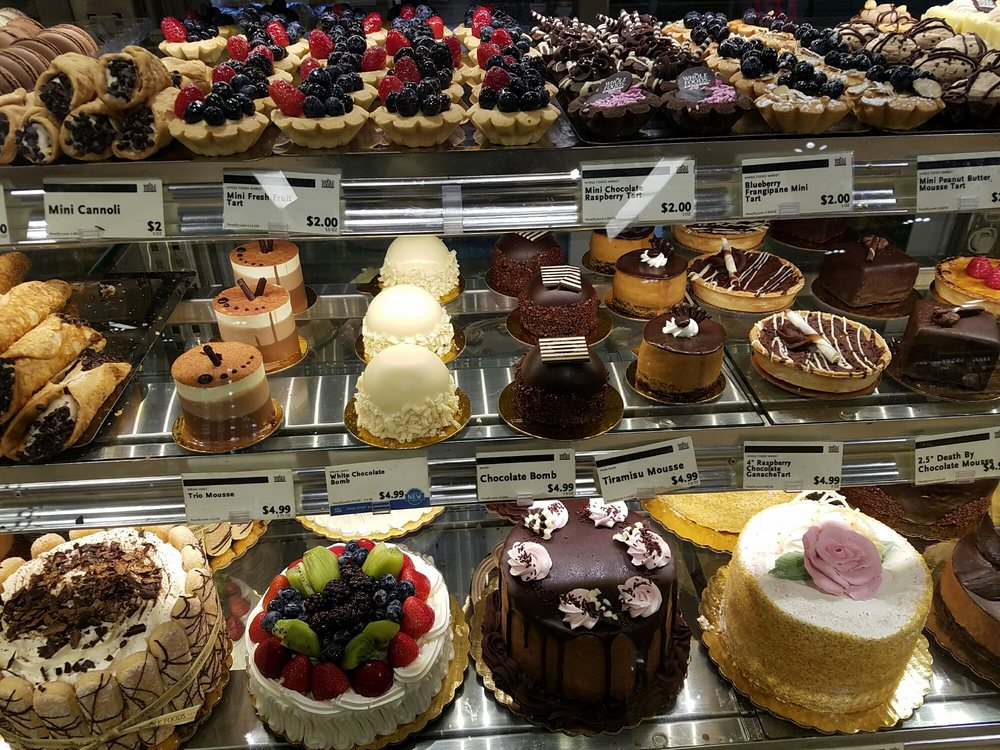 Whole Foods is hiring cake decorators in LA. | Photo: Kathy M./Yelp