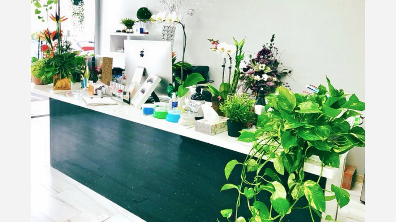 'Lavish Nail Bar And Organic Spa' Debuts In Rancho Park