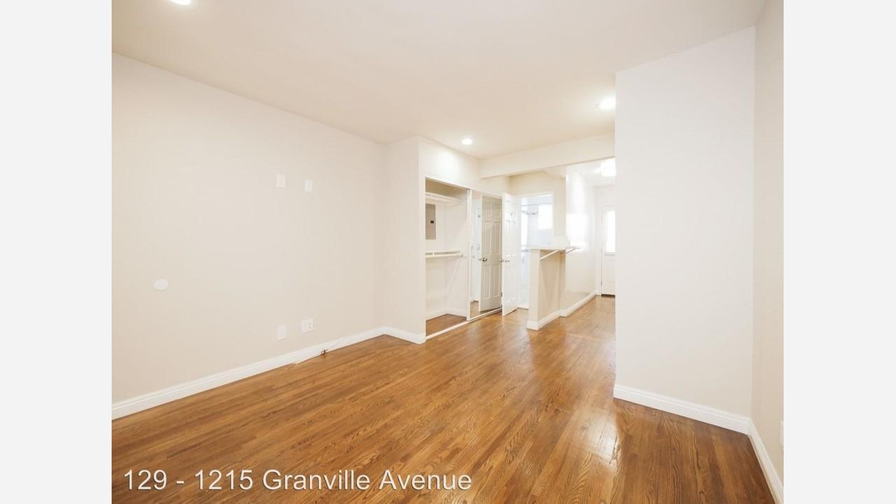 1215 Granville Ave. | Photos: Zumper