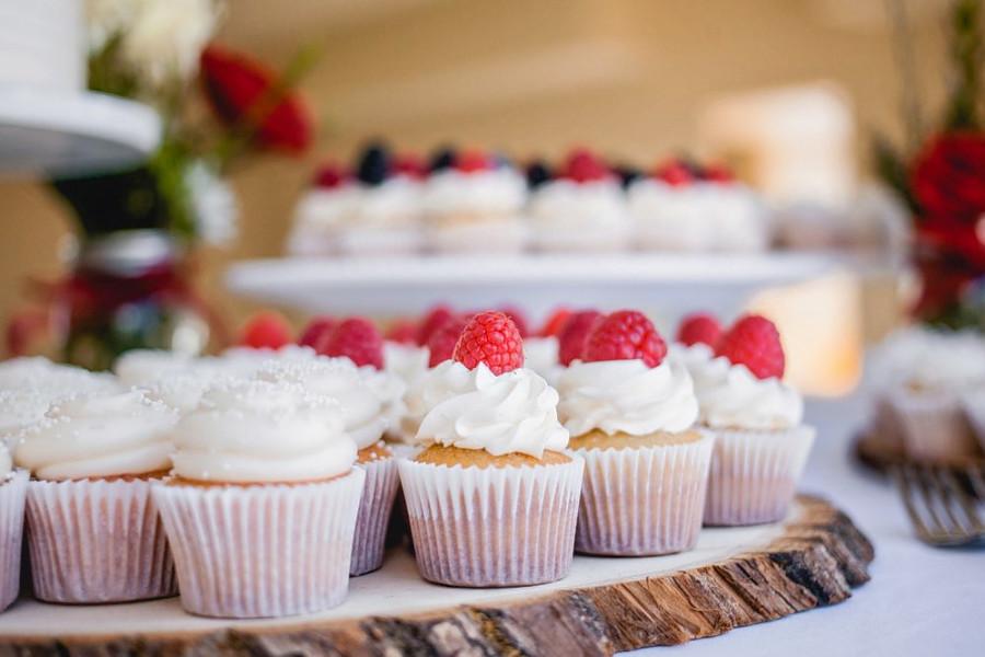 Simply Sweet Cakery.   Photo: Rachel H./Yelp