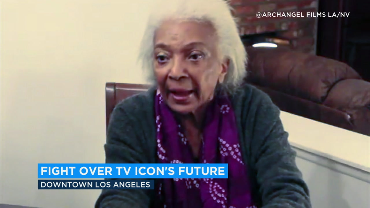Star Trek star Nichelle Nichols is the focus of a legal feud over her possible memory loss and the control of her finances.
