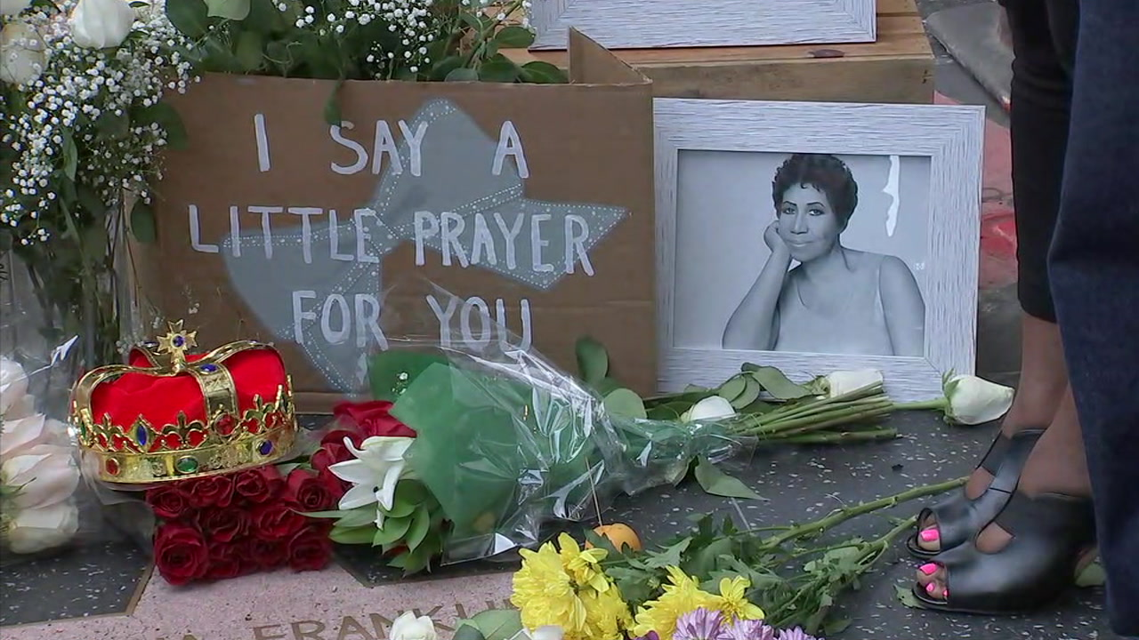Fans placed flowers, photos and even a crown at Aretha Franklins star on the Hollywood Walk of Fame on Thursday, Aug. 16, 2018.