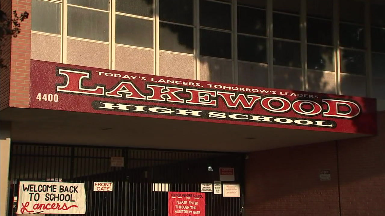 The entrance to Lakewood High School is shown in a photo.