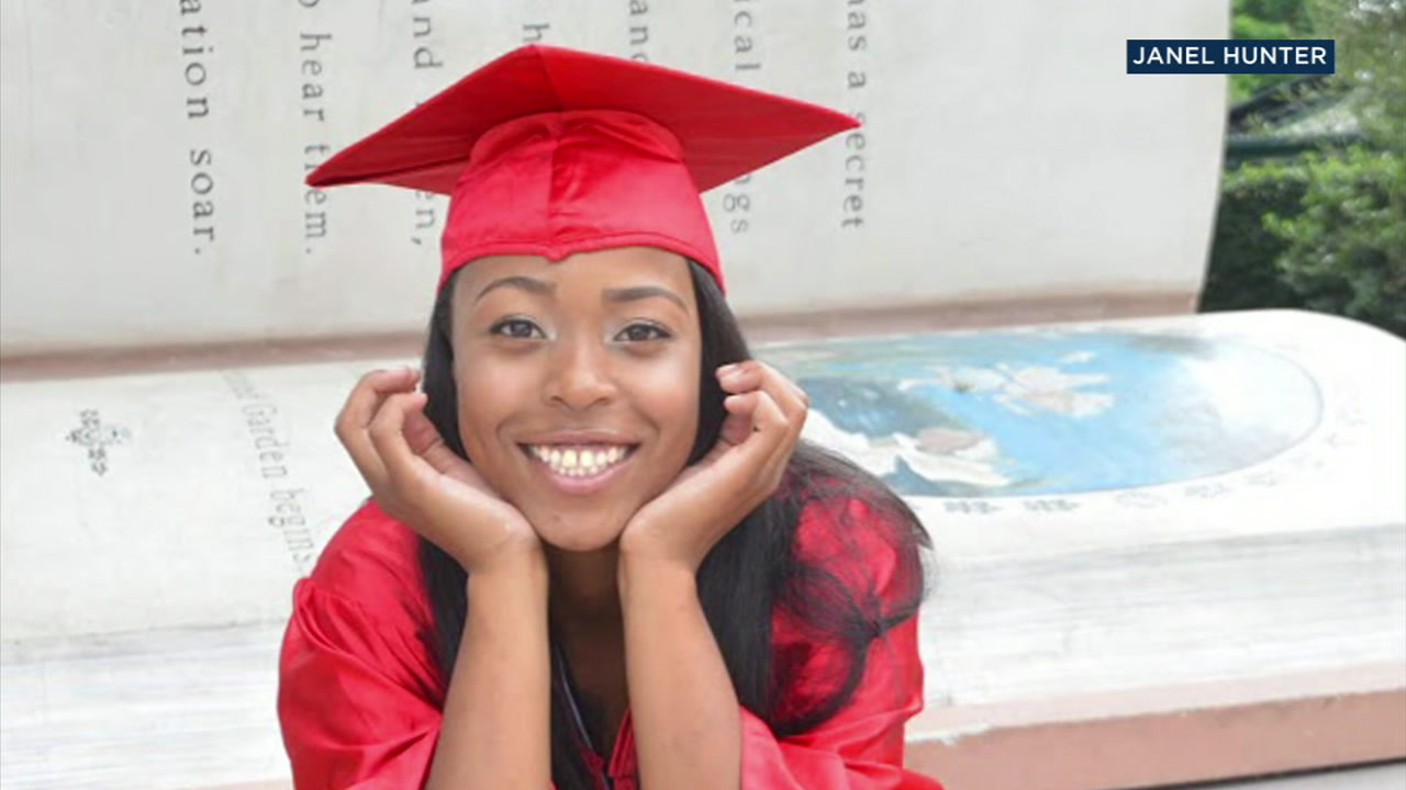 Chloe Hunter, 17, is shown in a graduate photo.