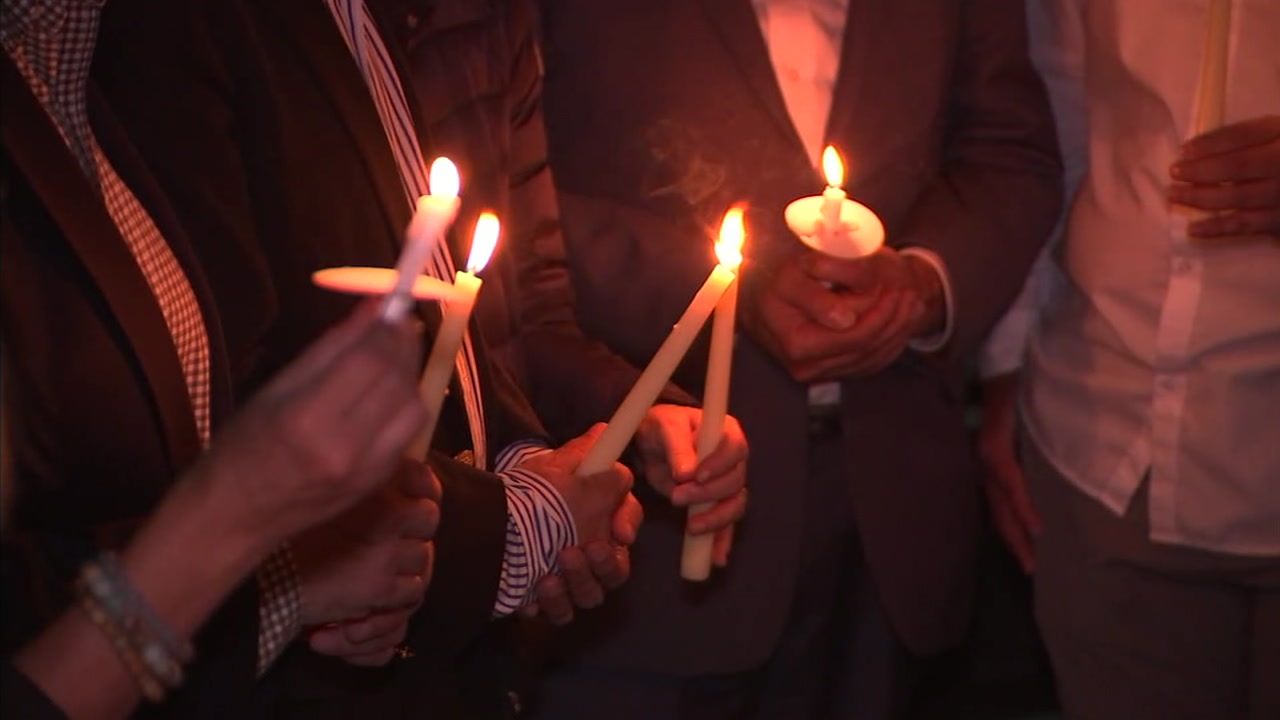 A vigil was held in Beverly Hills to honor the 11 victims killed in last weeks synagogue shooting in Pittsburgh.