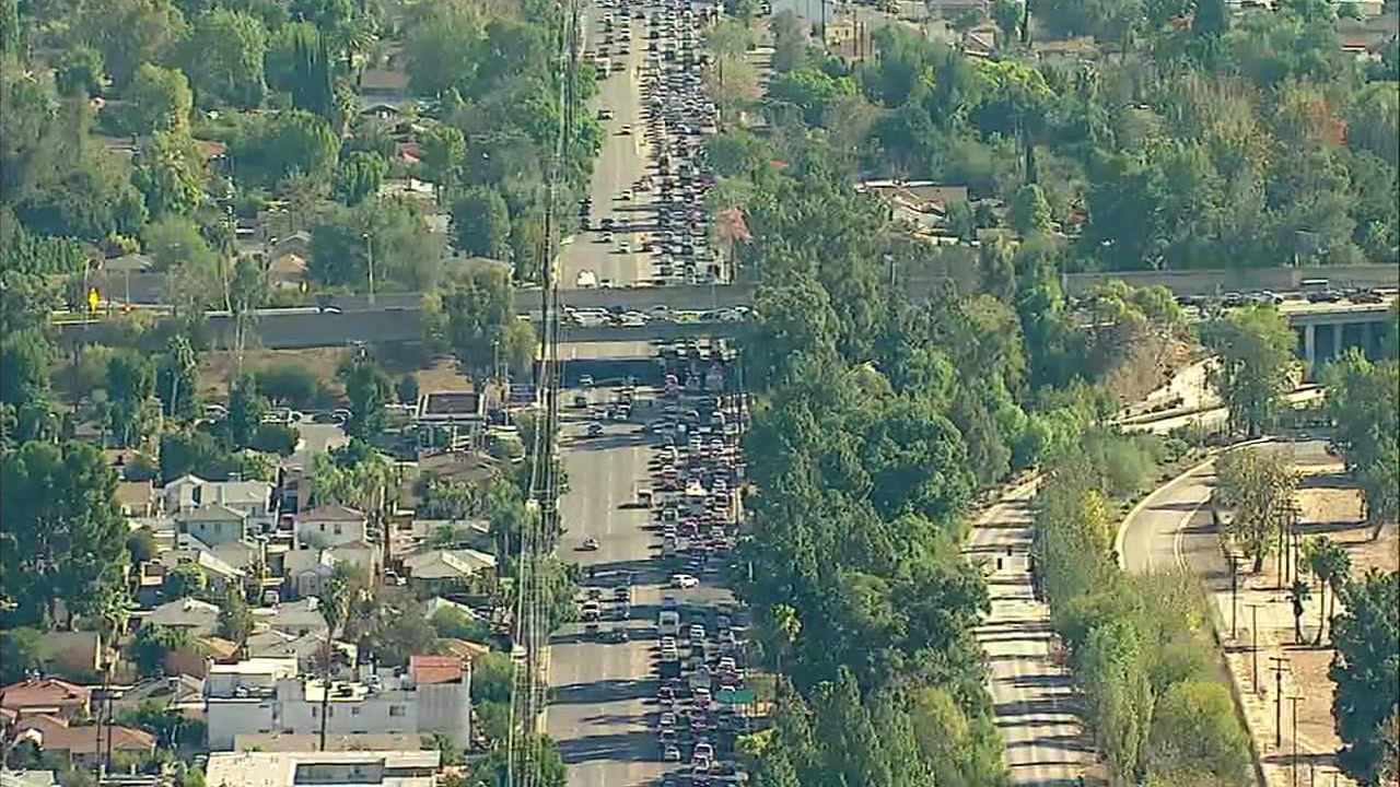 Traffic is seen impacted as Southern California residents try to return home following the Woolsey Fire.