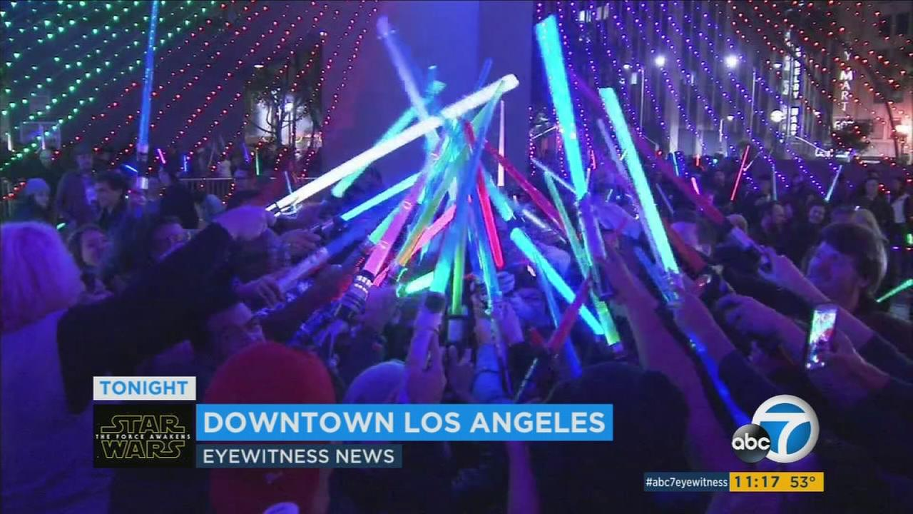 star wars lightsaber battle awakens in pershing square