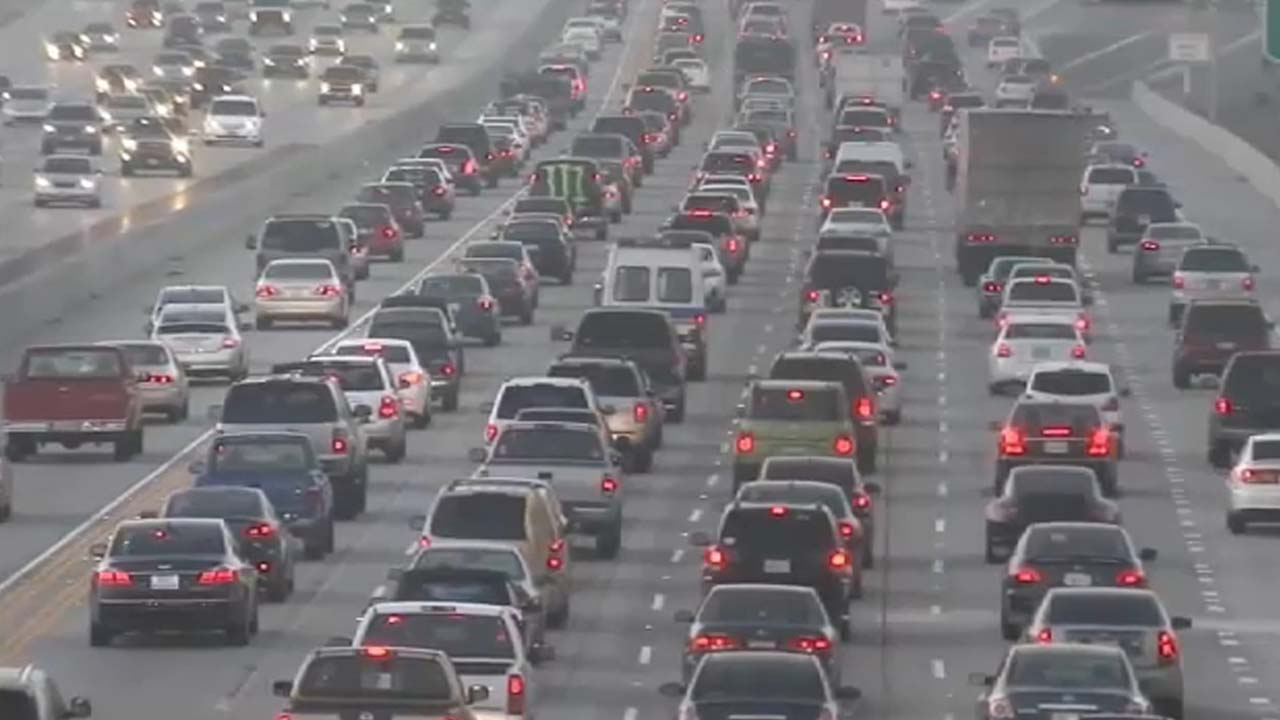 File photo of Los Angeles traffic.
