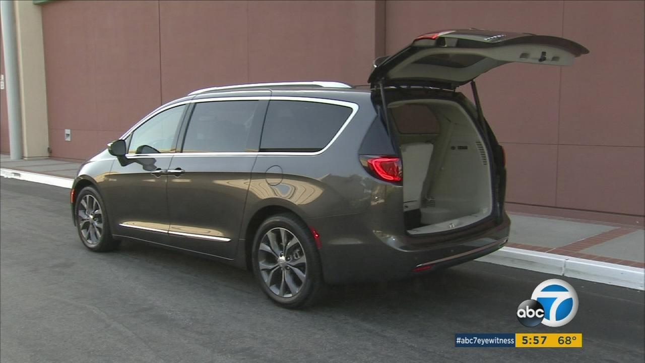 The 2017 Chrysler Pacifica is reinventing the minivan while borrowing the name of an old SUV.