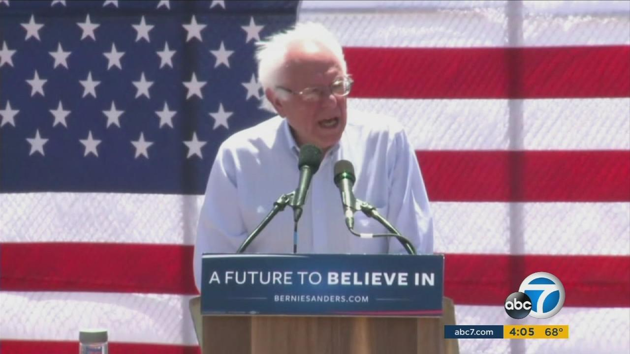 Bernie Sanders campaigns in Cathedral City on Wednesday, May 25, 2016.