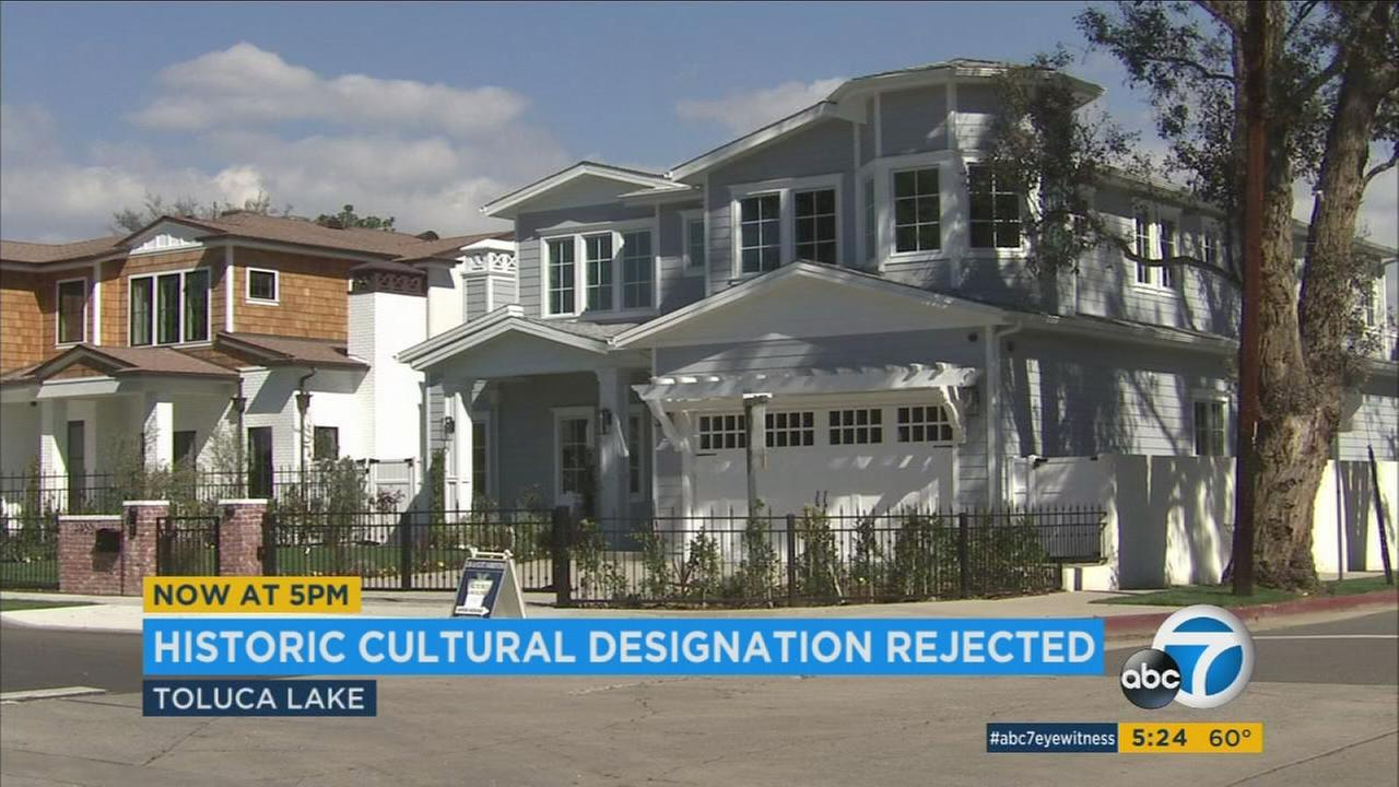 The family of Bob and Dolores Hope can sell their Toluca Lake estate without restrictions after the city of Los Angeles declined to place a historic designation on the property.